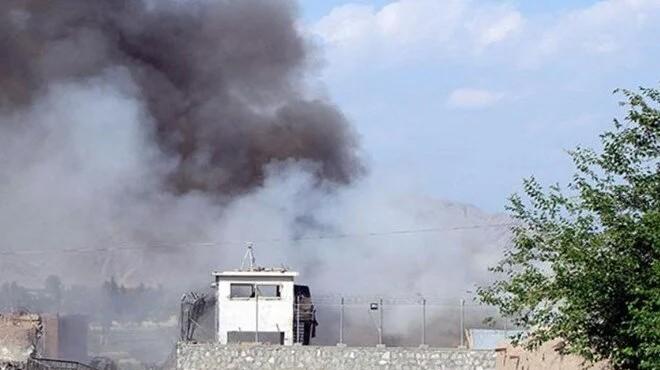 Afganistan'da camiye bombalı saldırı: En az 100 ölü