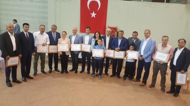 CHP İzmir'de mazbata gururu: Vekiller ve başkan ne mesaj verdi?
