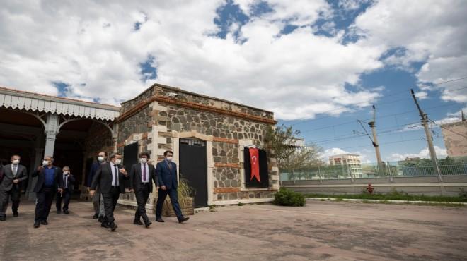 CHP'li Taşkın'dan Konak'ın tesislerine övgü