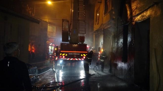 Fırının bacasında çıkan yangın 3 eve sıçradı