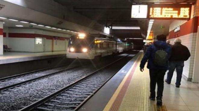 İZBAN istasyonunda intihar: Durakta beklerken trenin önüne atladı!