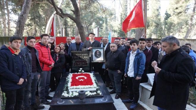 İzmir Fırat Çakıroğlu'nu andı