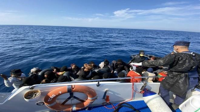 İzmir açıklarında 100 kaçak göçmen kurtarıldı