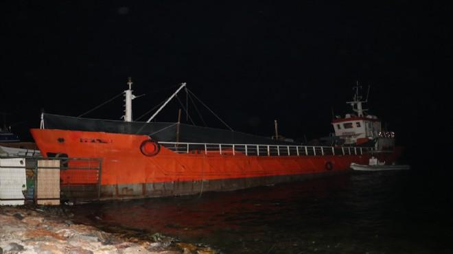 İzmir'de gemiye 'yasa dışı geçiş' baskını!