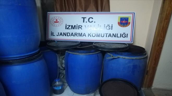 İzmir'de sahte içki baskını: Bin 980 litre!