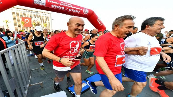 İzmir'de 'zafer maratonu': Soyer de koştu!