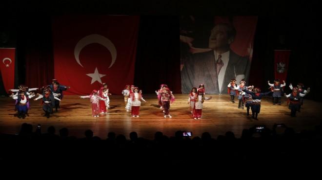 Konak'ta Halk oyunları şöleni