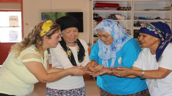 Köyün 3 yıldır sahnede alkışları toplayan kadınları!